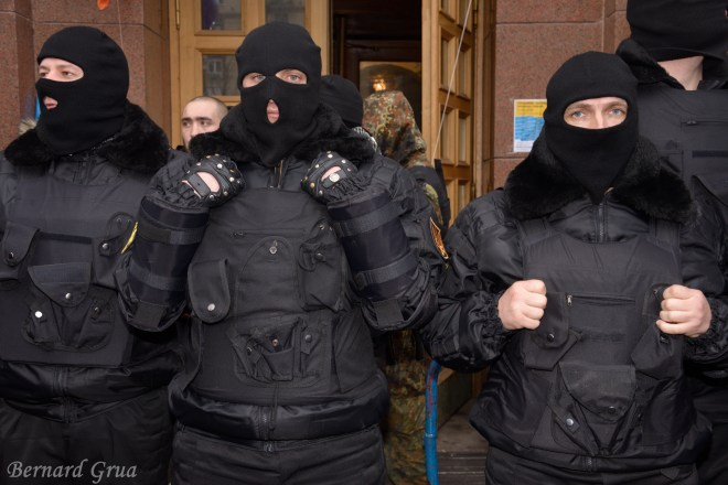 Pravy Sektor devant l'hotel de ville de Kyiv 16/02/2014 , photo Bernard Grua DR
