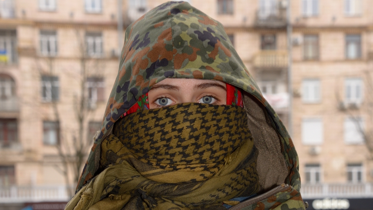 Jeune fille Kiev Maidan Bernard Grua