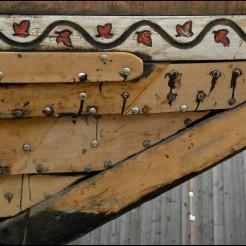 Etrave extérieur tribord. Pièces de remplacmenent des pointes pourrie des bordés. Nouveau liston. Pont-Aven, Finistère, Bretagne 28/07/2016