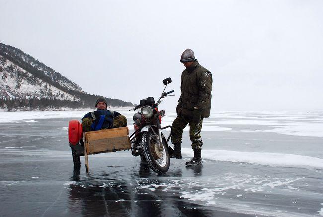Baikal, ice, motor bike, Bernard Grua