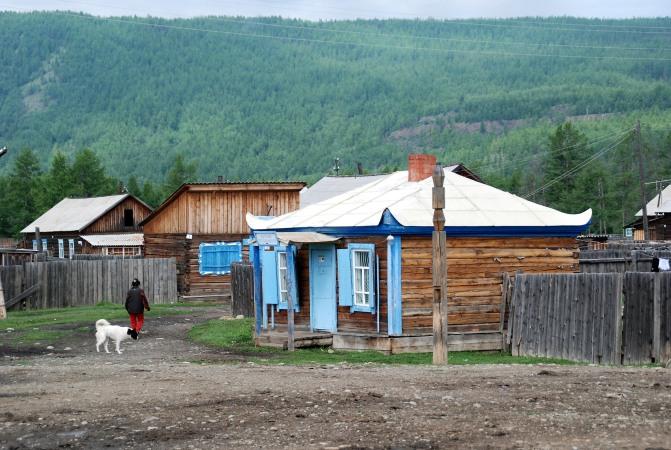 Sorok, principal village permanent des Soyots. Eté 2008 6 Bernard Grua