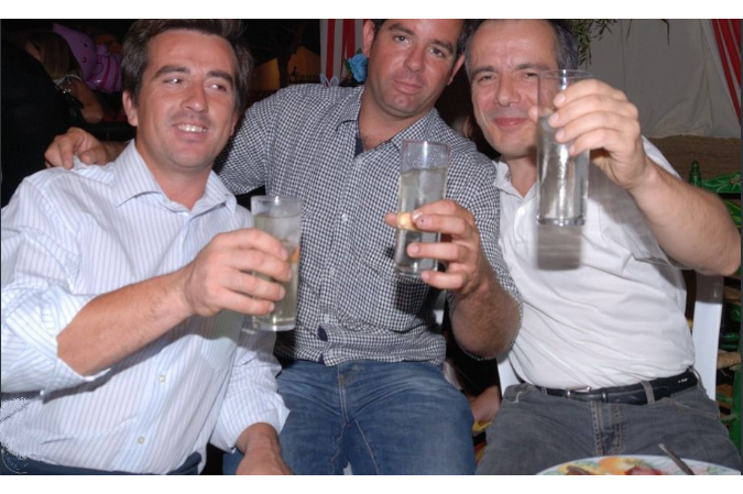 Bernard Grua avec des amis d'Arcos de la Frontera lors de la feria de St Miguel, Andalousie, Espagne.