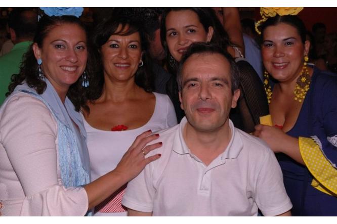 Amies andalouses lors de la feria de St Miguel, Arcos de la Frontera. Espagne