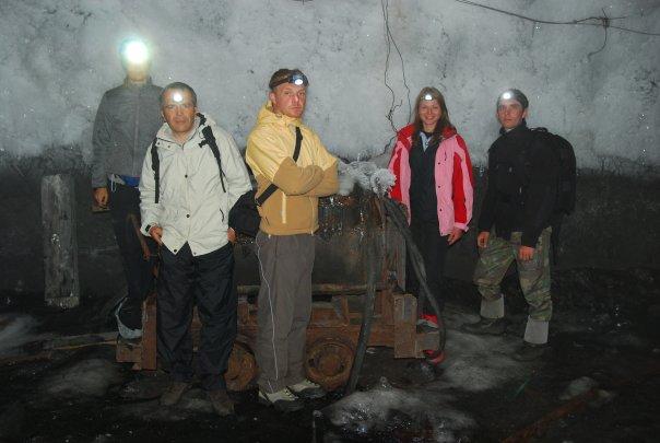 Bernard Grua, permafrost à Batagol, dans l'ancienne mine du Français Jean Pierre Alibert. Monts Saian orientaux, plateau de l'Oka, Sibérie