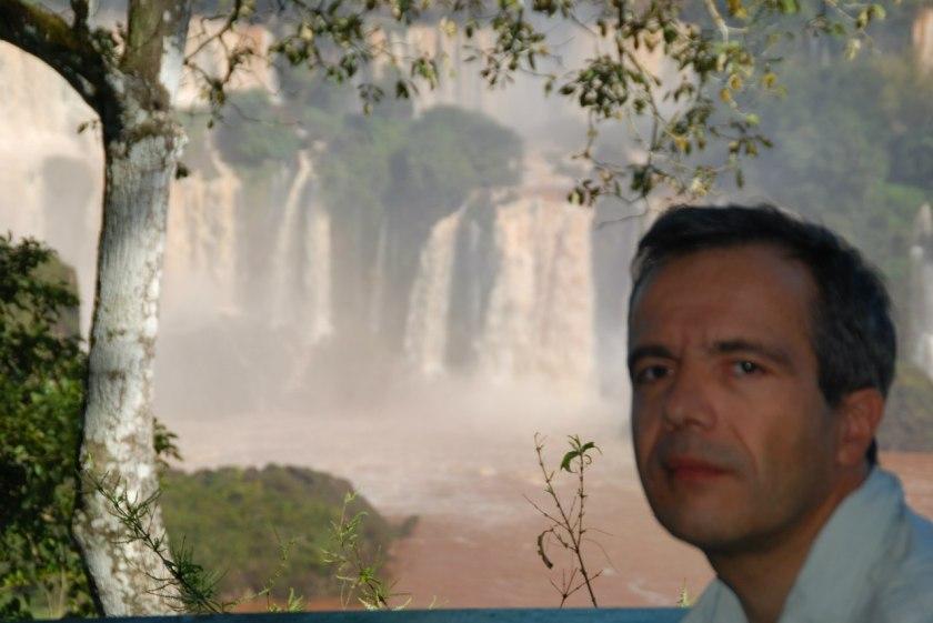 Bernard Grua, devant les chutes d'Iguazu, côté argentin.