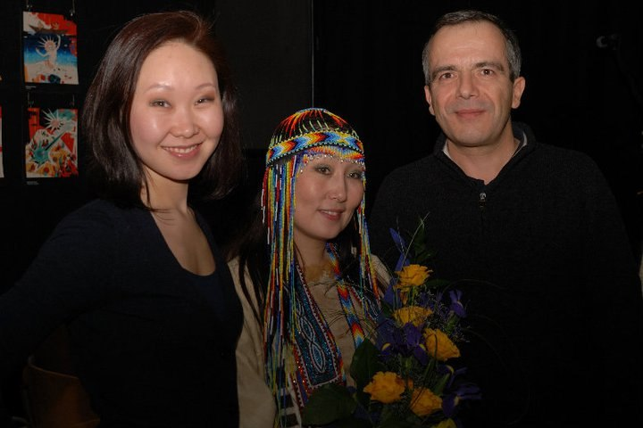 Avec Marina Y. et Saina, célébrité iakoute, après une représentation de cette dernière à Moscou.