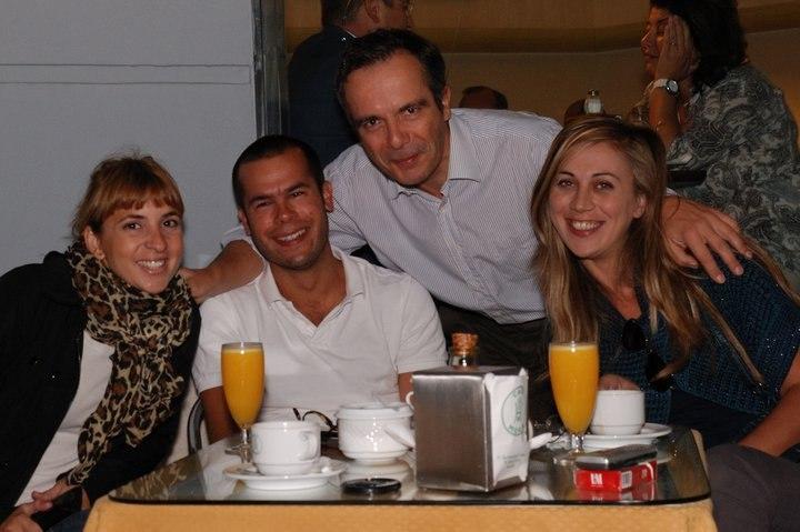Break petit-déjeuner espagnol pendant un inventaire à Malaga, Andalousie.