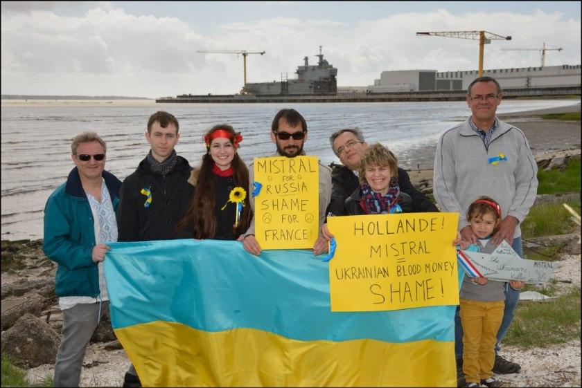 Bernard Grua, première Flashmob à St Nazaire contre la livraison des navires Mistral, 11 mai 2014