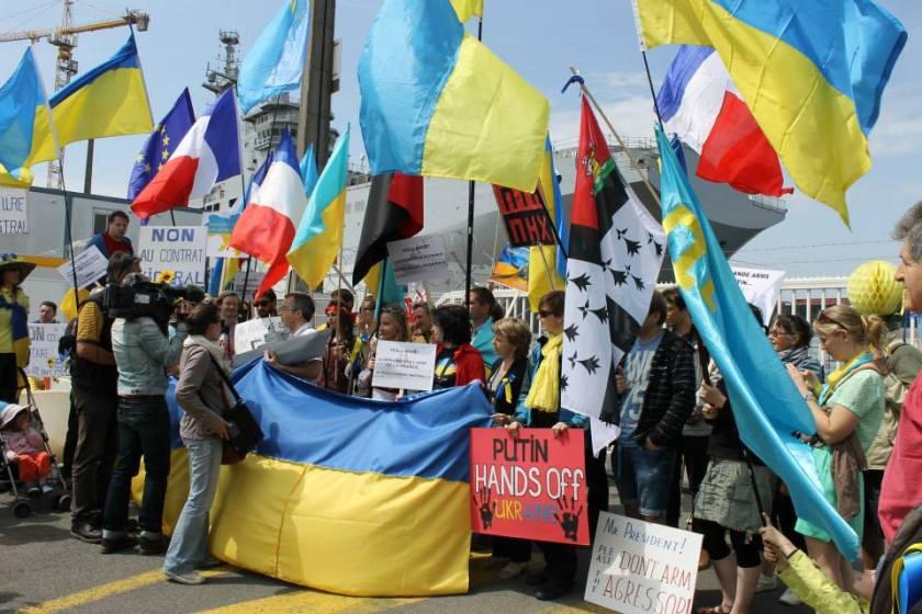 Bernard Grua, première manifestation contre la livraison des navires Mistral à Vladimir Poutine. Saint Nazaire 2 juin 2014 - No Mistrals for Putin - Presse