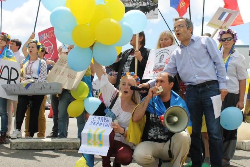 Bernard Grua, deuxième manifestation contre la livraison des navires Mistral à Vladimir Poutine. Saint Nazaire 29 juin 2014 - No Mistrals for Putin - Liza
