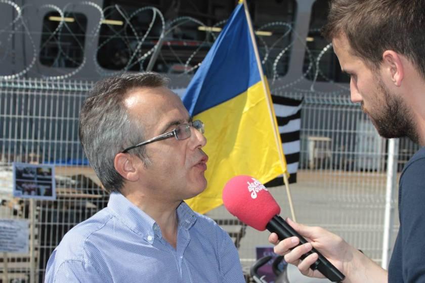 Bernard Grua, quatrième manifestation contre la livraison des navires Mistral à Vladimir Poutine. Saint Nazaire 7 septembre 2014 - No Mistrals for Putin - Défilé - petit journal