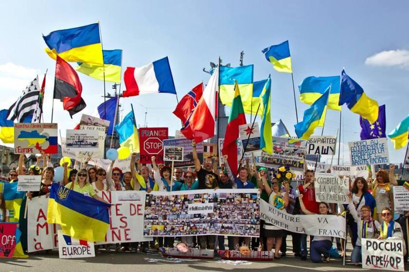 Bernard Grua, quatrième manifestation contre la livraison des navires Mistral à Vladimir Poutine. Saint Nazaire 7 septembre 2014 - No Mistrals for Putin - Smolny