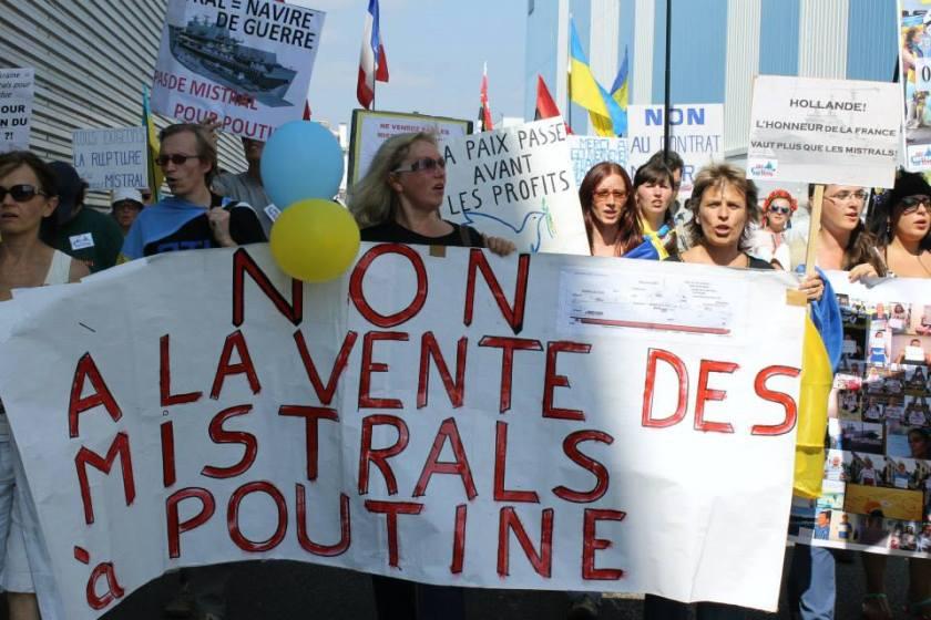 Bernard Grua, quatrième manifestation contre la livraison des navires Mistral à Vladimir Poutine. Saint Nazaire 7 septembre 2014 - No Mistrals for Putin - Défilé