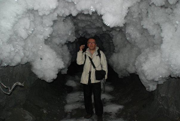 Bernard Grua dans le permafrost de la mine de Batagol, Monts Saian orientaux, Sibérie