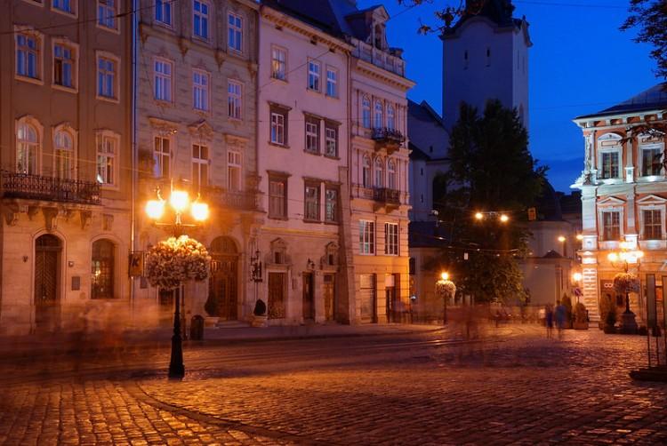 Bernard Grua, heure bleue, blue hour, Ukraine, Lviv