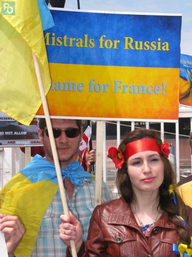 Bernard Grua, Mistral, Vladivostok, première manifestation St Nazaire, Oksana